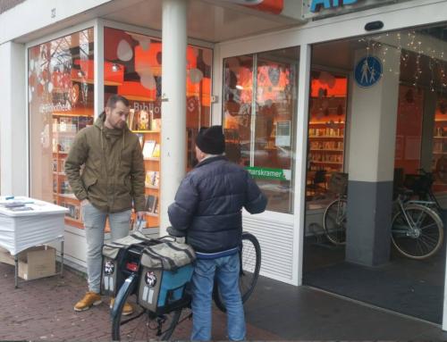 Bijbels uitdelen in het Brabantse Klundert
